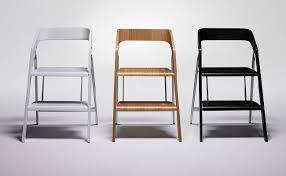 escabeau cuisine design une chaise design modulable en escabeau le corti