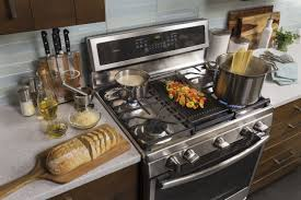 Gas Countertop Range Kitchen Cooktops Ge Freestanding Ranges Have The Edge Ge Appliances Pressroom