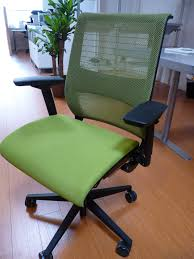 best office chair showdown reviews workified steelcase think home