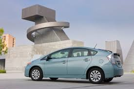 price of 2014 toyota prius 2014 toyota prius in hybrid price cut by 2 000 to 4 600