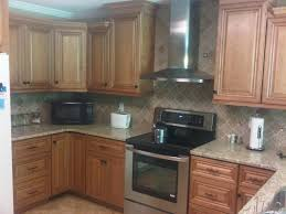 cinnamon maple glaze kitchen cabinets i like the colors and the