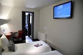 hotel espagne dans la chambre la chambre confort avec tv écran plat 102 cm photo de brit hotel