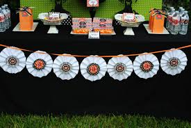 sweet metel moments diy tutorial u2013 paper rosette halloween banner