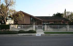 The Brady Bunch House Floor Plan Delighful Brady Bunch House Floor Plan From Apartment Therapy To