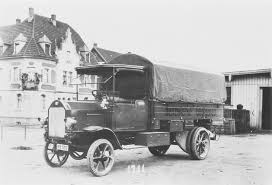 first mercedes benz 1886 trucker lt istorija