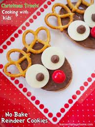 no cute christmas food ideas kids bake reindeer cookies fun idea