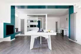 pittura sala da pranzo idee per arredare il soggiorno con il color verde petrolio foto
