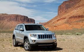 jeep bmw 2012 jeep grand cherokee srt8 vs 2011 bmw x5 m vs 2011 porsche