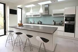 modele de cuisine blanche beautiful modele de decoration de cuisine ideas amazing house