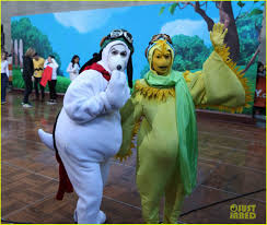 Snoopy Halloween Costumes Today Show U0027 Hosts Wear Spot Peanuts Halloween Costumes Photo