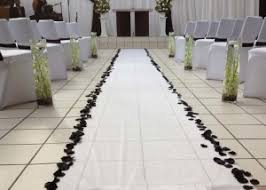 Isle Runner Tip For Using An Aisle Runner The Dc Marriage Knot