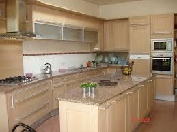 cuisine en chene blanchi cuisine en chne amazing cuisine modle quadratika en chne clair