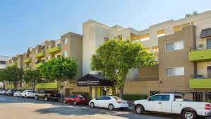 Un Glamorous Finding An Apartment Part Deux Prêt Los Angeles Ca Apartments For Rent Apartment Finder
