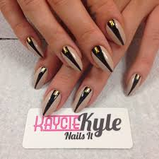 black and gold oval nail designs this is alice may u0027s nails the