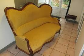 tapisser un canapé changer le tissu d un canapé tous les messages sur changer le