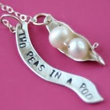 two peas in a pod jewelry two peas in a pod necklace for