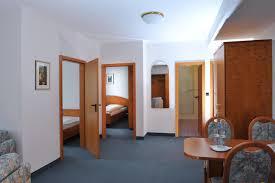 Wohnzimmer W Zburg Mittagsangebot Hotel Grüner Baum Deutschland Pommersfelden Booking Com