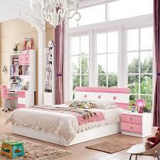 chambre a enfant chambre à coucher enfant avec armoire portes coulissantes couleur