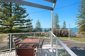 seaspray 1 views over main beach holiday apartment yamba north