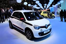 check out what u0027s under the front hood of renault u0027s new rwd twingo