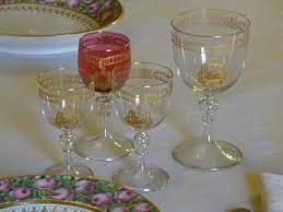 posizione bicchieri in tavola a tavola con i savoia le porcellane i bicchieri e gli argenti