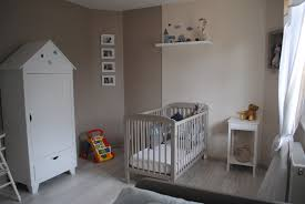 déco chambre bébé et gris lit decoration peinture jaune et chambre coucher moderne pour pas