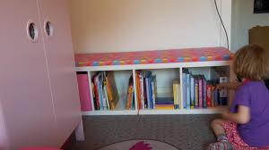ikea regal kinderzimmer aus kallax regal eine sitzbank machen der familienblog für