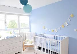 exemple chambre bébé chambre bebe jaune et bleu waaqeffannaa org design d intérieur