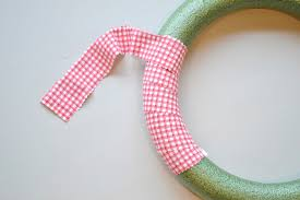 ribbon fabric s day wreath using curled grosgrain ribbon in