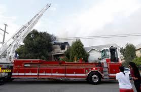 east oakland blaze firefighters on scene