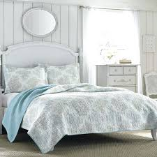 Bed Quilts And Coverlets Bedroom Awesome Modern Quilts Coverlets West Elm And Decor Bed