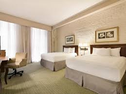 best price country inn and suites carlson new orleans french accessible queen rollin shower king suite nonsmoking