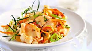 cuisiner une langouste recette de waterzoï de langoustes au crémant l express styles