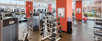Hotels in Indianapolis with Indoor Pool & Fitness Center