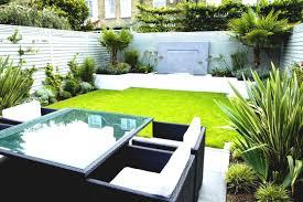small london garden design designs rendered walls hardwood trellis