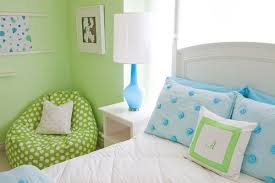 sitzsack für kinderzimmer moderne sitzsäcke praktisch bequem und toll für groß und klein