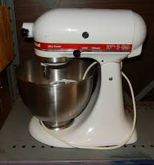 Kitchen Aid Mixer Sale by 3 Kitchen Aid Mixers Item Aa9718 Sold November 5 Gove