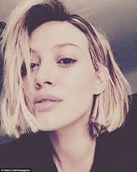 haircuts for blunt nose hilary duff debuts short hairdo after wrapping season two of