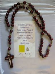 rosaries blessed by pope francis 5 rosaries blessed by pope francis in rome italy made by the
