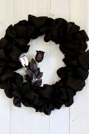 Black Halloween Wreath The Easiest Burlap Wreath You Will Ever Make Duke Manor Farm