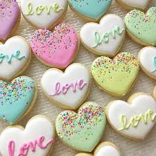 heart shaped cookies pin by pamy delgra on decorated cookies pastel