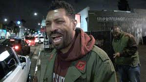black ish u0027 star deon cole not totally sold on u0027black panther