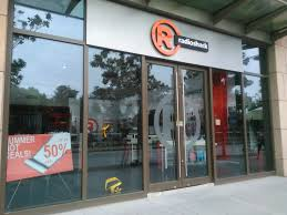 radio shack store closings in 2015