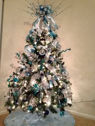 Blue And Silver Christmas Tree - 114 best christmas tree images on pinterest xmas trees