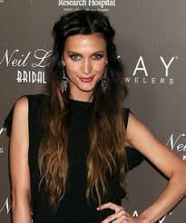 darker hair on top lighter on bottom is called i want that hair color dark on the top then lighter on the bottom