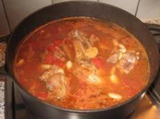cuisiner des pieds de porc recette pieds de porc aux haricots blancs recette pieds de porc