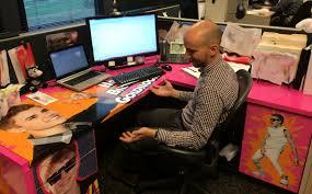 justin bieber wrapping paper justin bieber vinyl wrap desk birthday prank imgur