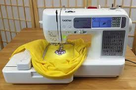 6 best embroidery sewing machine of 2017 reviews and buyer u0027s guide