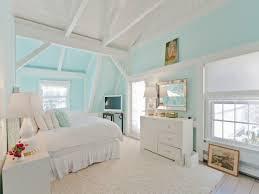 Kim Kardashian New Home Decor House Tour Inside Betsey Johnson U0027s Subdued Hamptons Cottage The