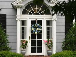 Front Porch Topiary 11 Ways To Decorate Your Front Porch Or Entryway Diy